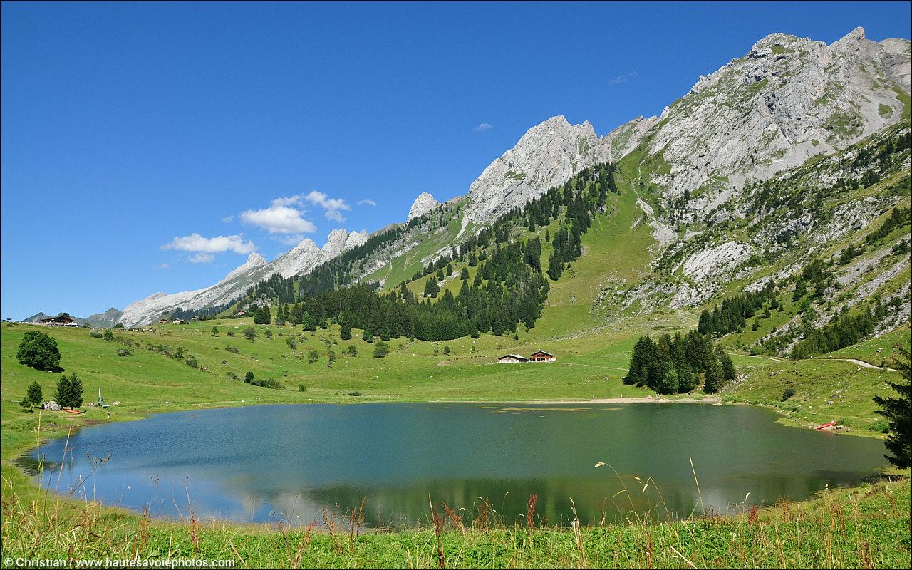 Bonne Mercredi Lac-des-confins-1280