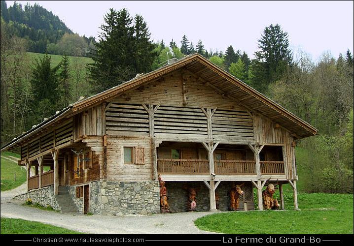 Chalet Traditionnel Savoyard : Chalet savoyard solutions pour la décoration intérieure